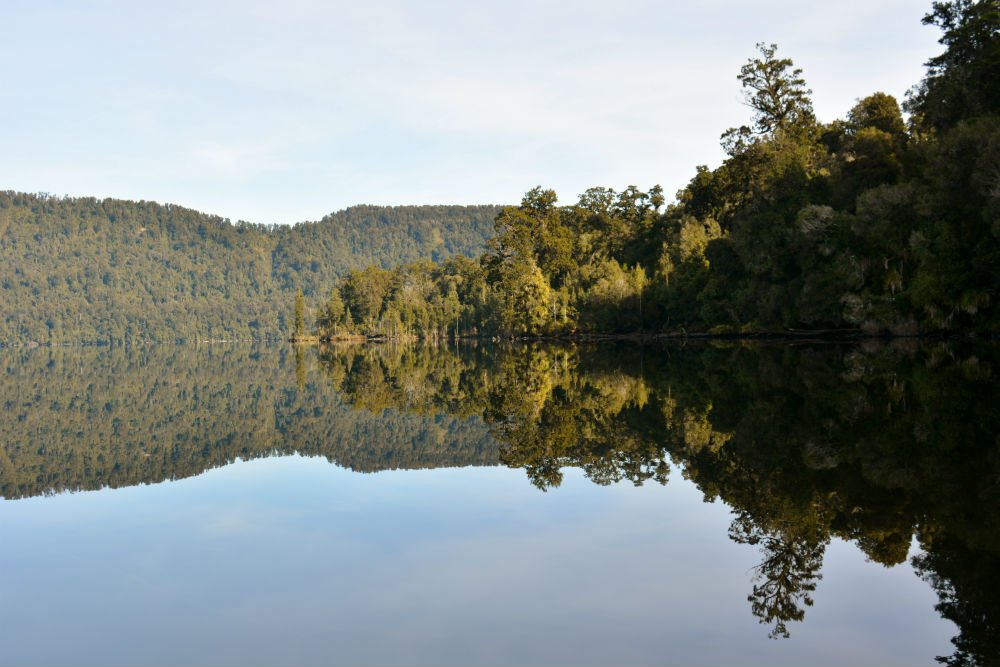 mirror lake mapourika lake tours