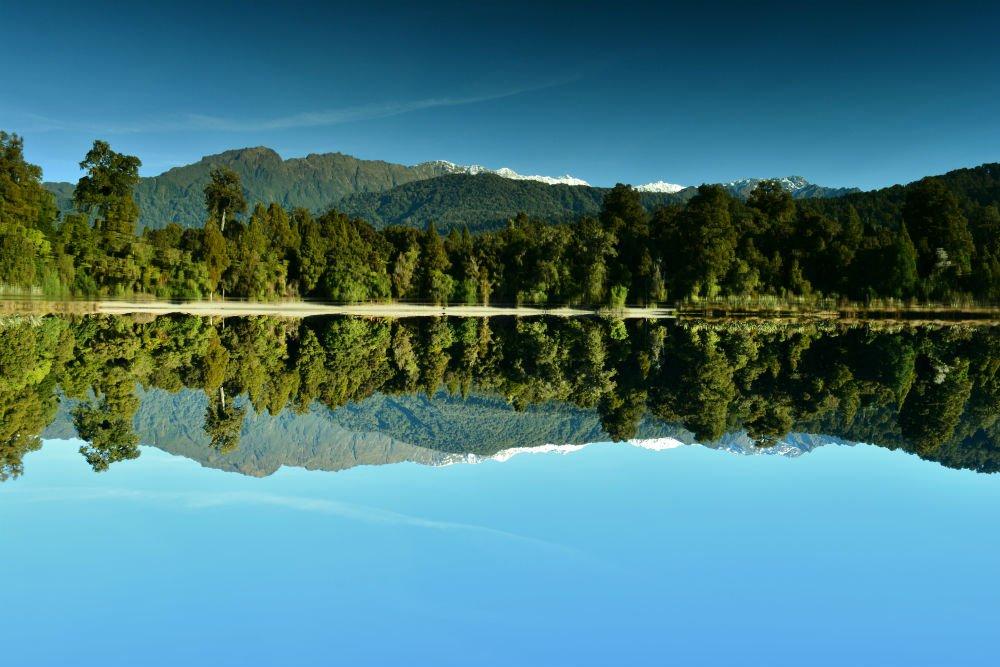 Lake mapourika reflection