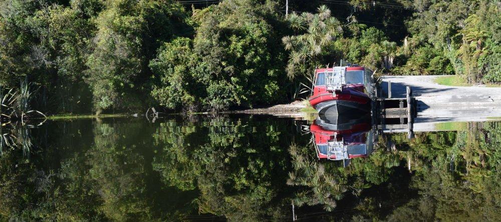 Boat lake tours mirror