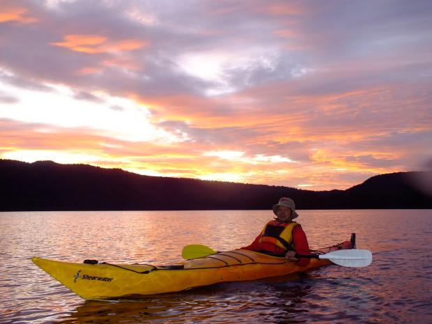 Sunset kayaking on Lake Mapourika