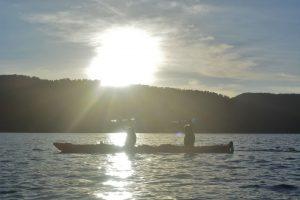 Lake mapourika glacier kayaks