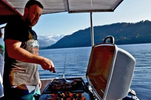 Fish, Cruise & BBQ, lake mapourika