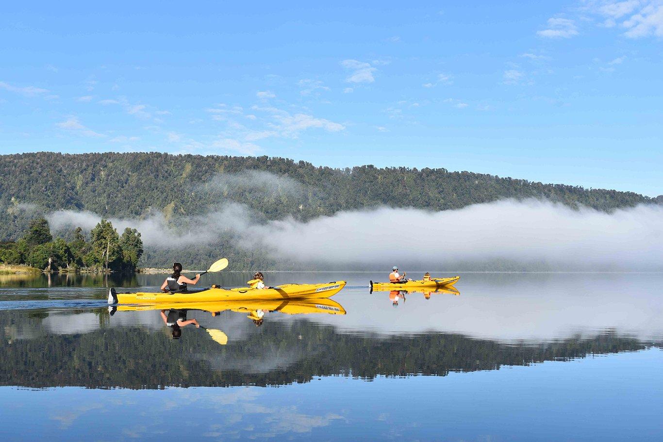 mirror lake kayaking